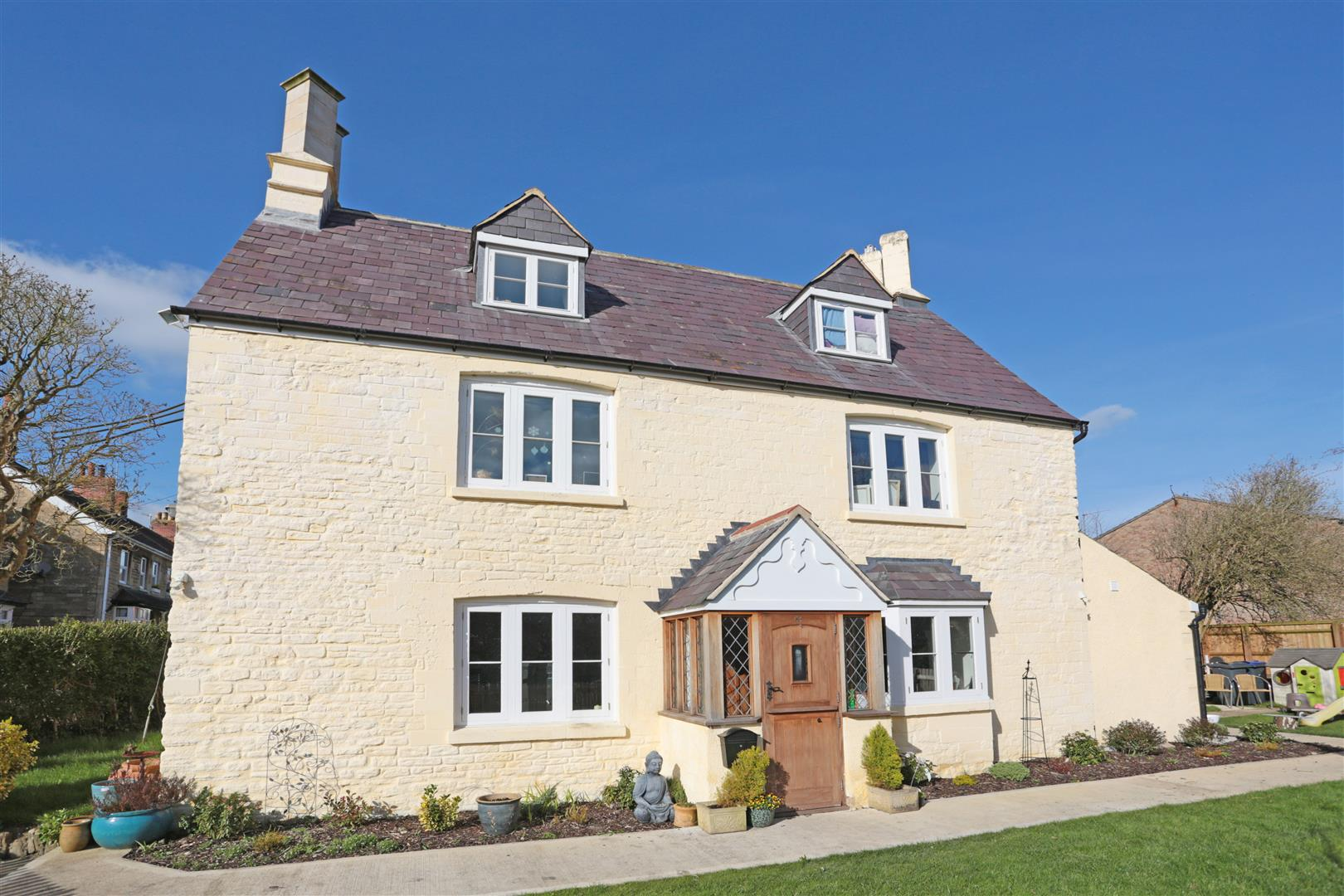 4 Bedrooms House for sale in The Pippin, Calne
